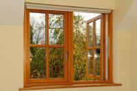 Домашний уют с деревянными окнами