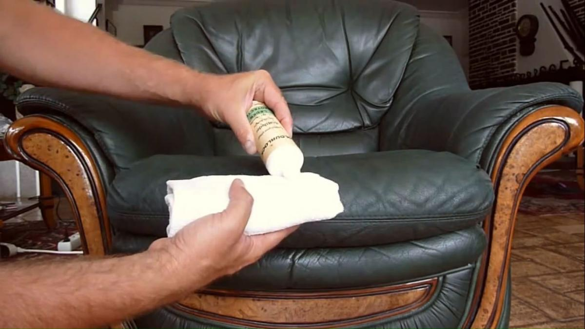 Средство от пятен для кожаного дивана фото